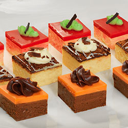 Cocktail sweet petit fours mixed - Kooka brothers thumbnail