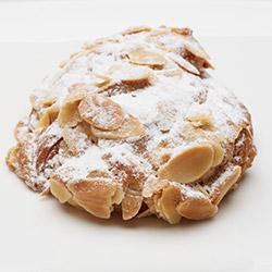 Almond croissant - mini thumbnail