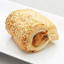 Chili and Lemongrass Chicken sausage rolls thumbnail