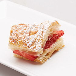Croissant fingers with strawberries and mascarpone thumbnail
