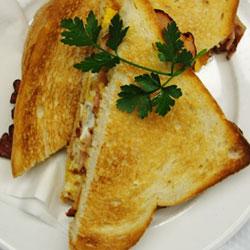 Gluten free bacon and egg sandwich thumbnail