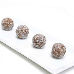 Healthy protein balls thumbnail