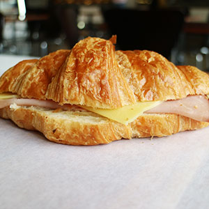 Ham and cheese croissant - mini thumbnail