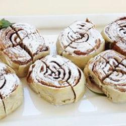 Freshly baked cinnamon scrolls thumbnail