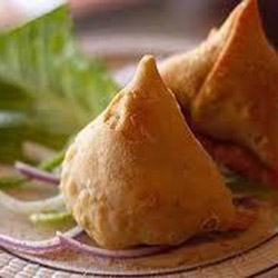 Cocktail samosas  thumbnail