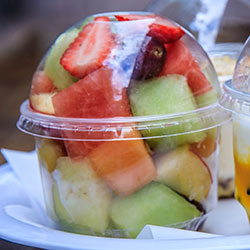 Fresh fruit salad cup - 8 oz thumbnail