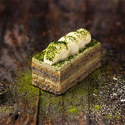Matcha greentea and roasted black sesame slice thumbnail