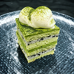 Matcha greentea and roasted black sesame slice - mini thumbnail
