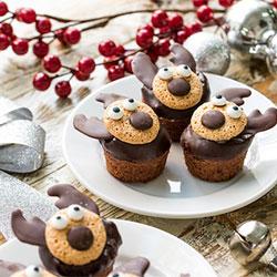 Chocolate and raspberry reindeer cupcakes thumbnail