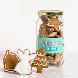 Festive glazed gingerbread thumbnail