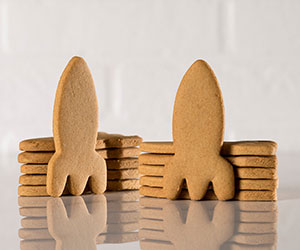 Gingerbread rocket cookies thumbnail