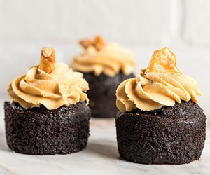 Toffee chocolate peanut butter bourbon cake thumbnail