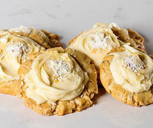 White chocolate and passionfruit cookie thumbnail