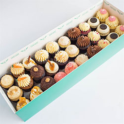 Assorted mini cake gift box thumbnail