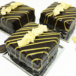 Banana and chocolate cake - 3 inch - box of 6 thumbnail