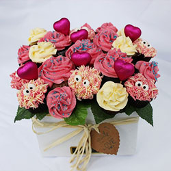 Crazy Love strawberry n cream mini cupcake bouquet thumbnail