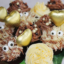Crazy Love chocolate vanilla mini cupcake bouquet thumbnail