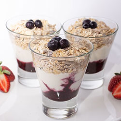 Muesli and yoghurt cups thumbnail