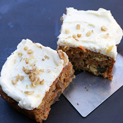 Carrot cake with cream cheese icing - 10 inches - serves 15 thumbnail