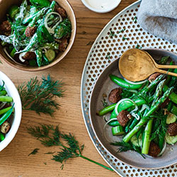 Spring green salad thumbnail