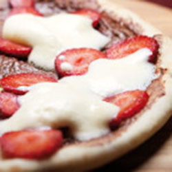 Nutella and strawberry pizza thumbnail