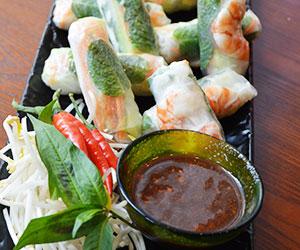 Vietnamese rice paper roll thumbnail