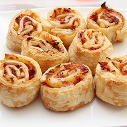 Bacon and cheese scroll thumbnail