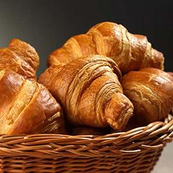 Large butter croissant thumbnail