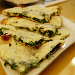 Spinach and cheese naan thumbnail