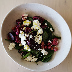 Beetroot and chickpea salad thumbnail