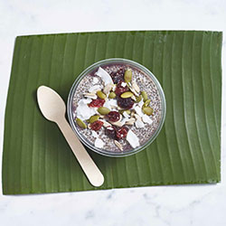 Vanilla, blueberry and chia pot thumbnail