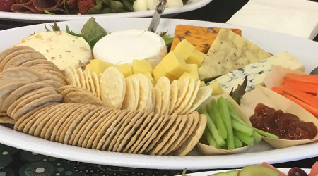 Cheese platter - Serves 6 to 8 guests thumbnail