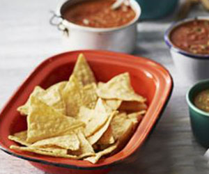 Corn chips and salsa thumbnail