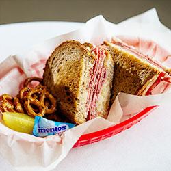 Hot sandwich lunch box thumbnail