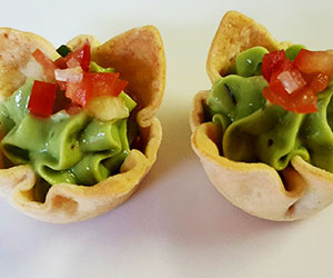 Guacamole and salsa tartlet thumbnail
