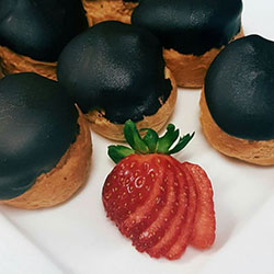 Chocolate profiteroles - mini thumbnail