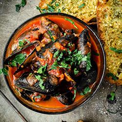 Chilli mussels pasta thumbnail