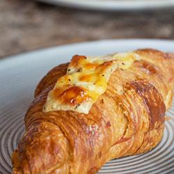 Ham and cheese croissaint thumbnail