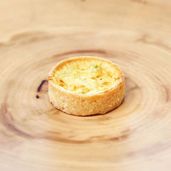 Leek and gruyere quiche thumbnail