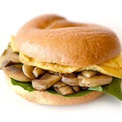 Egg, mushroom and spinach bagel thumbnail