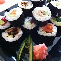 Sushi nori rolls - serves 3-4 thumbnail