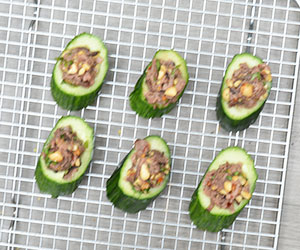 Thai beef cucumber cups thumbnail