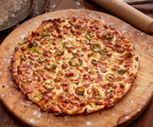 Hot and spicy beef pizza thumbnail