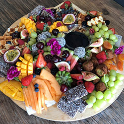 Fruit platter - serves 10 to 15 thumbnail