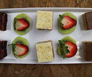 Individual cake slices thumbnail