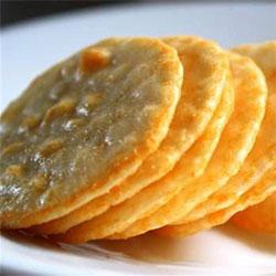 Gluten free rice crackers thumbnail