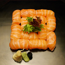 Salmon nigiri box - serves 1 thumbnail
