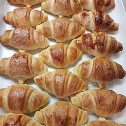 Fresh baked croissant - mini thumbnail