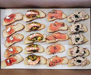 Seafood medley bruschetta thumbnail