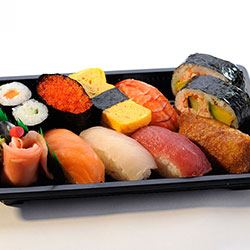 Assorted sushi deluxe box B thumbnail